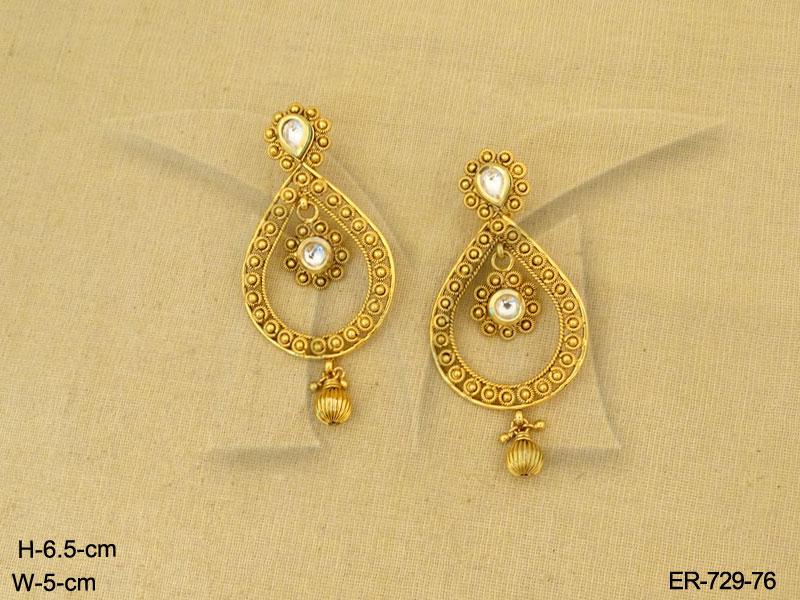 Polki Earings : Paanshape Gold Design Antique Earrings